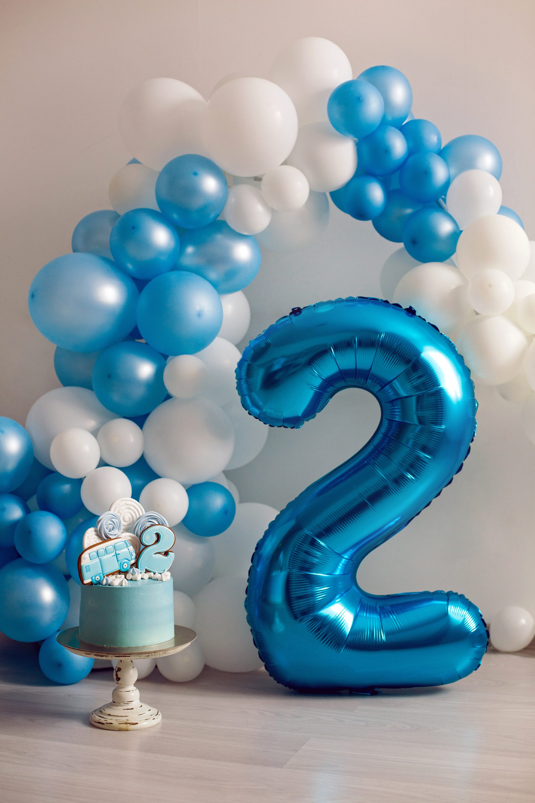 Balloon bouquet arch for 2nd birthday party