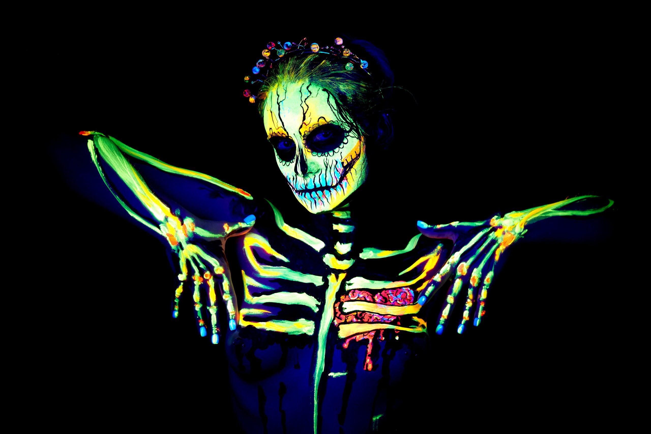 UV body painting of skeleton